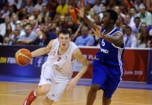 Rodions Kurucs pievienosies Eiropas basketbola grandam Barcelona