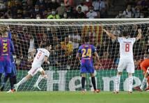 """Bayern"" Minhenes ""Bayern"" ČL grupu turnīru sāk ar pārliecinošu uzvaru izbraukumā pār ""Barcelona"""