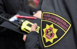 600 ugunsdzēsēju Latvijā nav gatavi vakcinēties pret Covid-19 un var zaudēt darbu