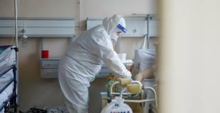 Vairākās slimnīcās pilnībā aizņemtas smagā stāvoklī esošiem Covid-19 pacientiem paredzētās intensīvās terapijas gultas