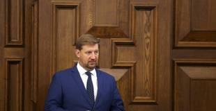 """""""Saskaņas"""" deputāts: Jāatliek malā """"politiskās spēlītes"""" un par vakcinēšanos jākomunicē arī krievu valodā"""