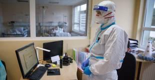 Pirmo reizi kopš februāra slimnīcās esošo Covid-19 pacientu skaits pārsniedzis 1000