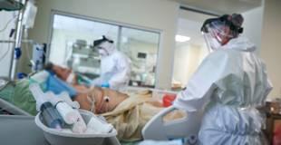 3206 inficētie un 33 mirušie: otrdien Latvijā fiksēts rekordliels ar Covid-19 sasirgušo skaita pieaugums