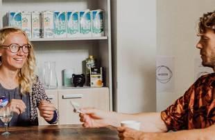 """Sieviete tehnoloģiju pasaulē – tas ir normāli! Saruna ar """"Riga Tech Girls"""" vadītāju Annu Andersoni"""