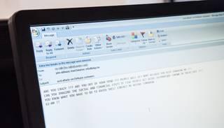 Wikileaks publisko CIP priekšnieka e-pasta saraksti