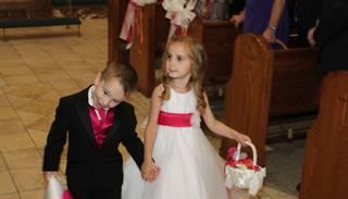 "VIDEO: mazi bērni ""izgāž"" laulību ceremoniju"