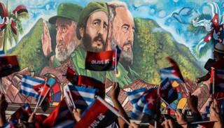 FOTO: kubieši svin Fidela Kastro 90 gadu jubileju
