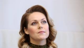 VIDEO: operas soliste Kristīne Opolais iemēģina Gora skatuvi