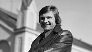 Viktora Lapčenoka 70. jubilejā izdota labāko dziesmu izlase