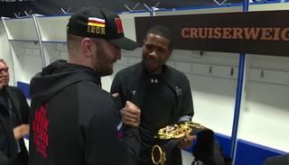 VIDEO: Gasijevs pasniedz Dortikosam savu WBA pasaules čempiona jostu