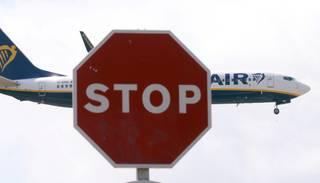 "Streiku dēļ atcelti vairāki simti ""Ryanair"" reisu"