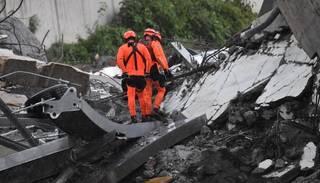 Dženovas katastrofas upuru skaits turpina augt – atrasti vēl četri bojāgājušie