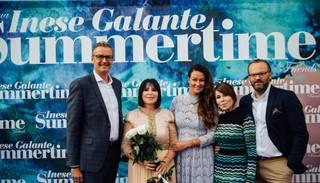 Foto: ar prominenču klātbūtni krāšņi izskan Galantes festivāls