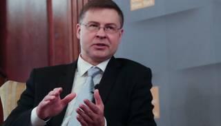 Valdība virza Dombrovski eirokomisāra amatam