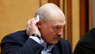Lukašenko: Šeit uz ledus vīrusu nav