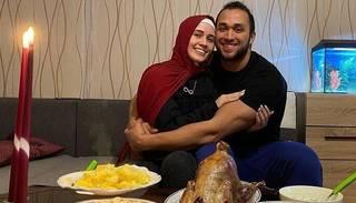 Foto: Rebeka Salsabil Ibrahima kopā ar vīru Moazu nosvin 18. novembra svētkus