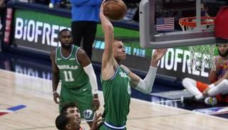"Dribls, lidojums un nagla ""Thunder"" grozā – Porziņģis iekaro NBA TOP 10"