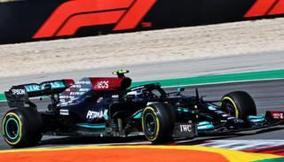 """Mercedes"" piloti ātrākie Portugāles ""Grand Prix"" pirmajos divos treniņbraucienos"