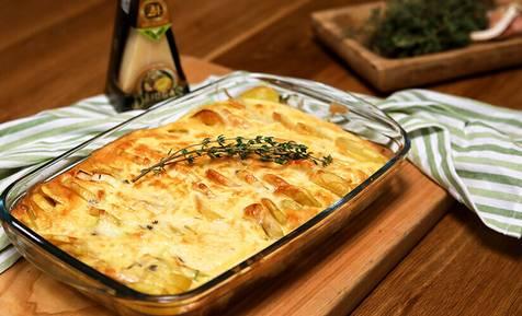 Patiesi rudenīga maltīte! Kartupeļu un kabaču sacepums ar sieru