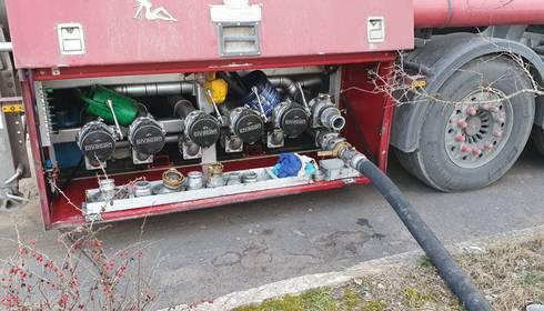 Policisti Daugavpilī atsavina 30 tonnas dīzeļdegvielas