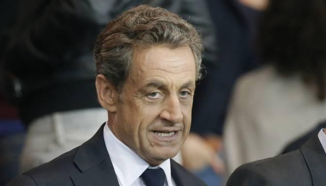 "Francijas eksprezidents Sarkozī atgriezīsies politikā; sola ""glābt valsti"""