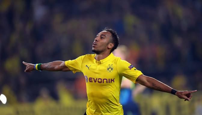 "VIDEO: Imobile un Aubamejangs divreiz pārspēj Ščesniju un ""Borussia"" uzvar ""Arsenal"""
