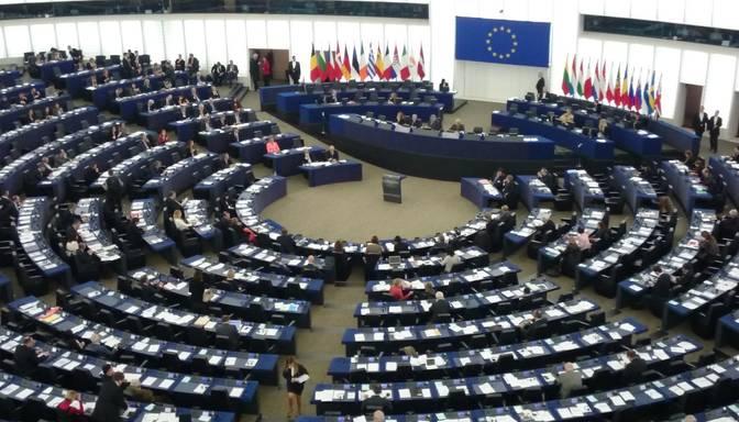 Eiropas Parlaments apstiprina jauno Eiropas Komisiju