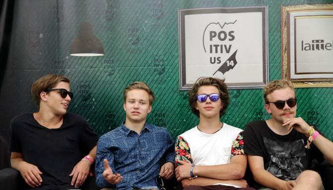 "Carnival Youth jauno albumu nosvin ar ""desu"" spēli"