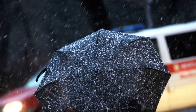 Sinoptiķi ceturtdien sola slapju sniegu