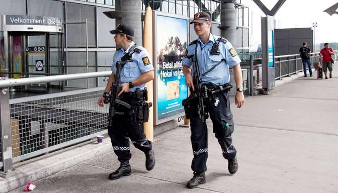 Palielinoties terorisma draudiem, Norvēģijā apbruņo policistus