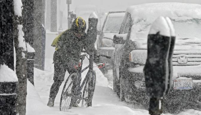 Spēcīga sniega vētra ASV