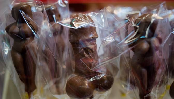 Erota programmu papildina šokolādes zēns Gregory