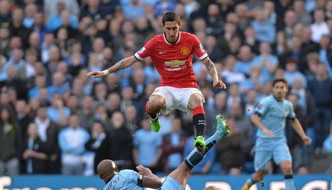 Anglijas kausā futbolā Manchester United ar 2:0 uzvar Garija Džonsona Yeovil