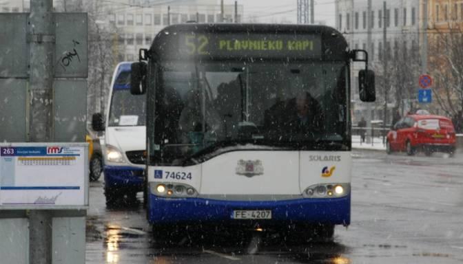 Rīgas satiksmei jauni autobusi un trolejbusi