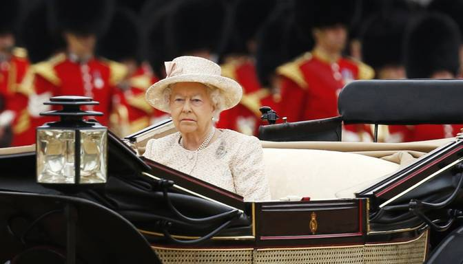 Briti svin karalienes Elizabetes II dzimšanas dienu
