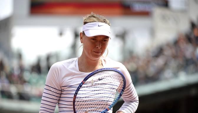 Šarapova noliek French Open čempiones pilnvaras
