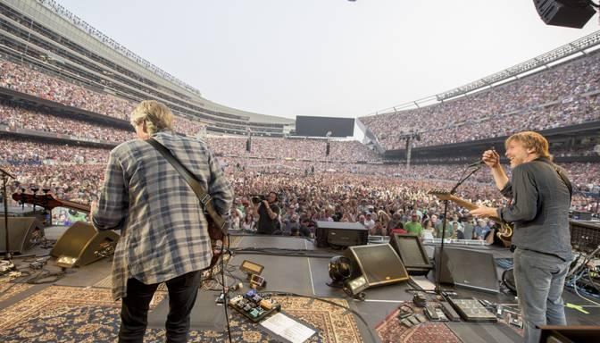 FOTO: asarām acīs atvadās no The Grateful Dead
