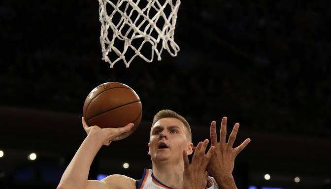 "Porziņģim pret titulēto Spurs pirmais NBA karjeras ""double-double"""