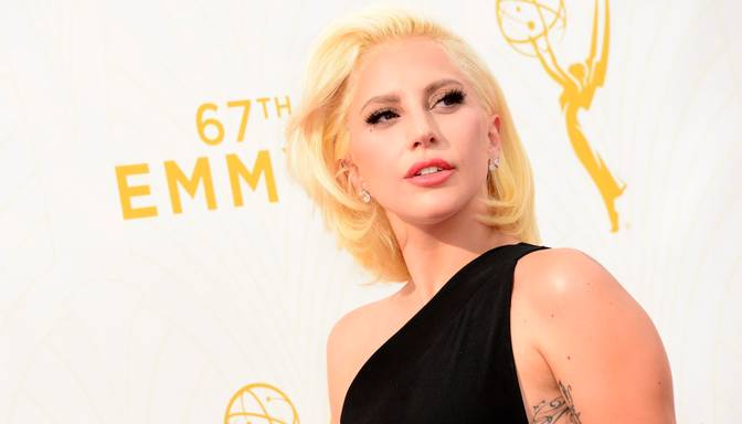 Lady Gaga dziedās ASV himnu gaidāmajā Super Bowl