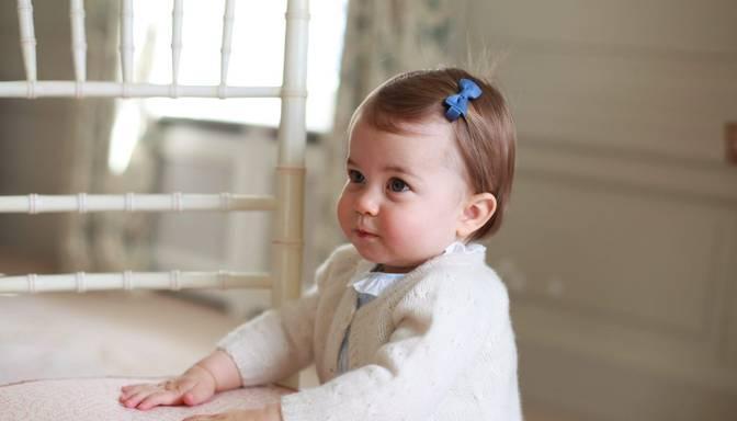 Princesei Šarlotei viena gada dzimšanas diena