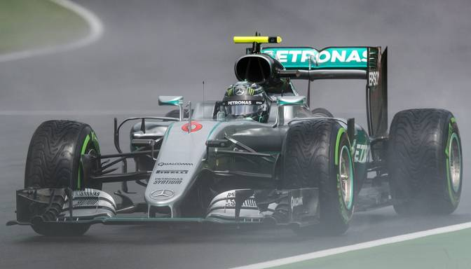 Rosbergs ātrākais pirmajos divos F1 Austrijas GP treniņos