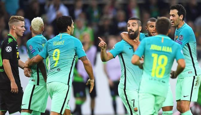 VIDEO: Barcelona izbraukumā uzvar Menhengladbahas Borussia
