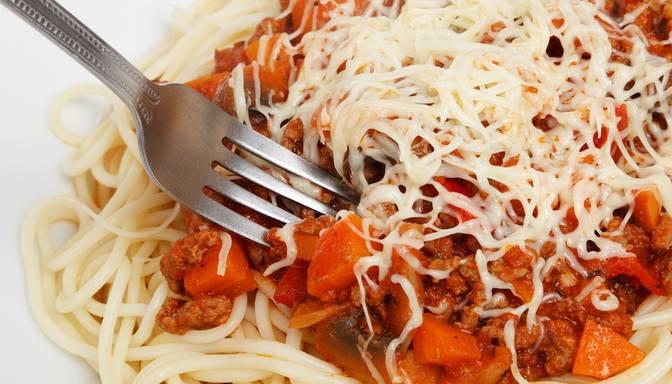 Gardums – spagetti ar žāvētas gaļas mērci