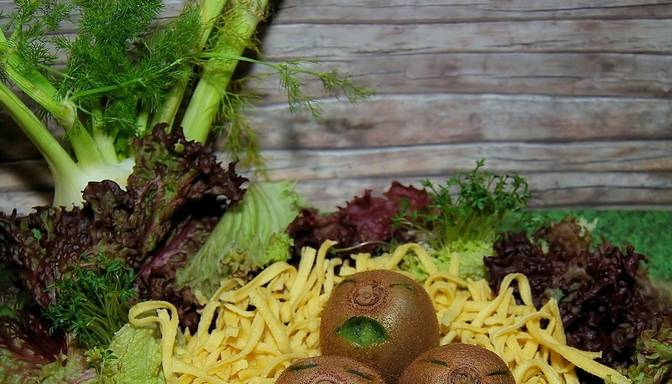 Interesanta recepte! Vistas filejas un kivi salāti