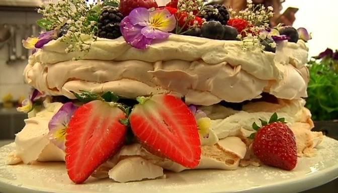 Slinkā Pavlova kūka