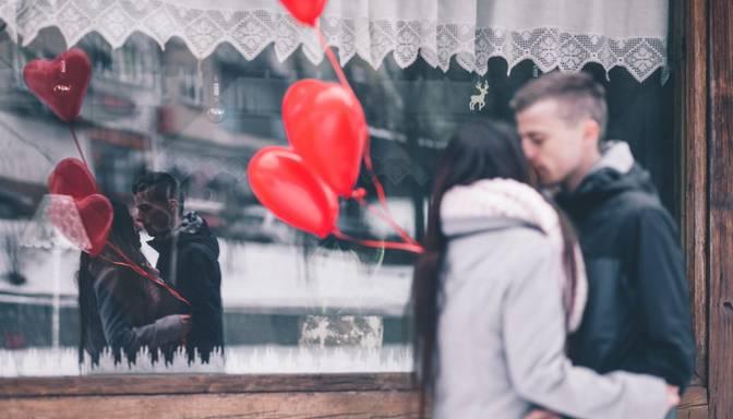 Uzzini, cik aptaujāto šogad Latvijā plāno svinēt Valentīndienu!