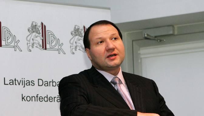 Ukrainas tiesa arestē Latvijas miljonāra Meļņika īpašumus