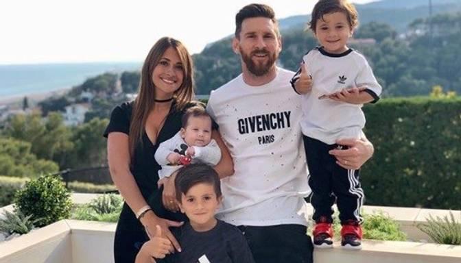 Sirsnīgi! Aplūko pasaules slavenā futbolista Lionela Mesi ģimenes foto