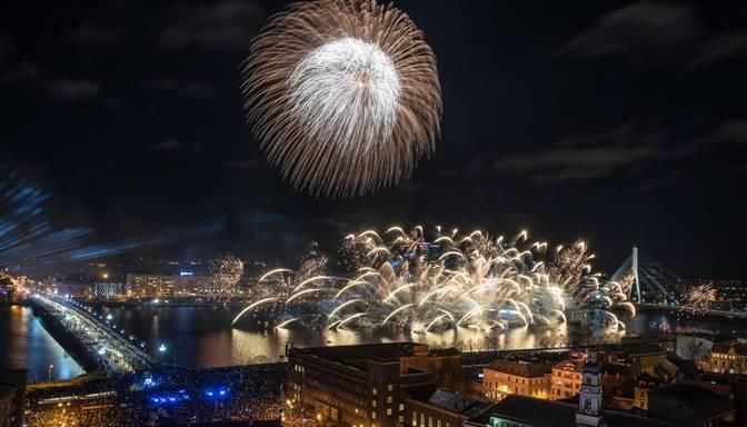 Latvijā tiek atzīmēta valsts proklamēšanas 101.gadadiena