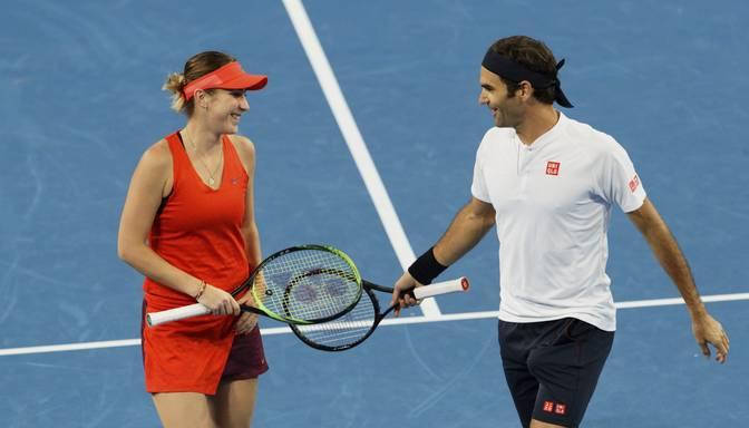 Federers ieved čempioni Šveici Hopmana kausa finālā